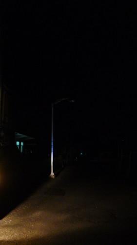 村內路燈都不亮讓王建榜很生氣