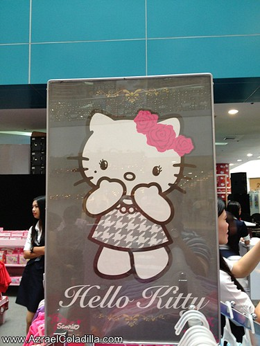 Hello Kitty Christmas at SM City North EDSA