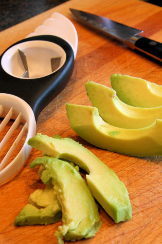 avocado slicing tool IMG_6138  R