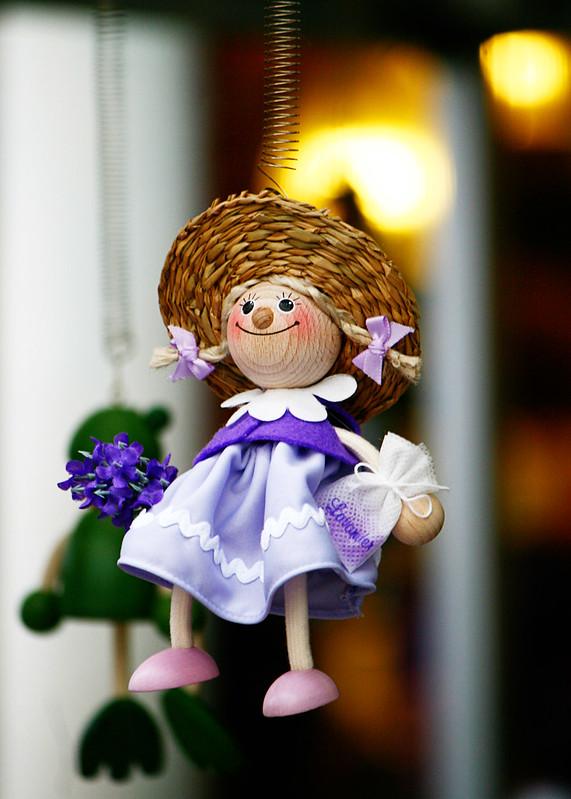 16-doll