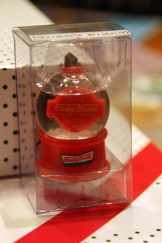 Donuts_Snow-globe-ornament