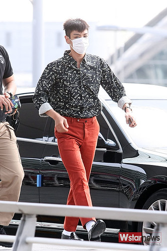 BIGBANG Incheon Airport to Shanghai Press 2015-06-19 028