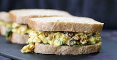 Creamy and Rick Vegan Curried Chickpea Salad Sandwich 7