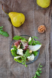 салат с грушами.прошутто и горгонзолой.9
