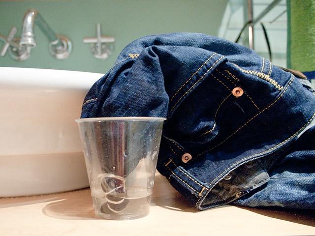 Tie-Dye Bleached Denim DIY: Steps
