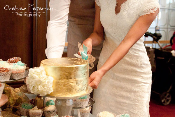gold-leaf-cake-wedding-cutting