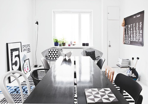 Black-and-white-home-by-interior-stylist-Susanna-Vento-8