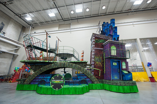 "Nickelodeon TEENAGE MUTANT NINJA TURTLES :: "" 86th Annual Macy's Thanksgiving Day Parade TEENAGE MUTANT NINJA TURTLES FLOAT"" ..peek iii / ..float  (( 2012 )) [[ Courtesy of TMNT Master & MACY'S ]]"