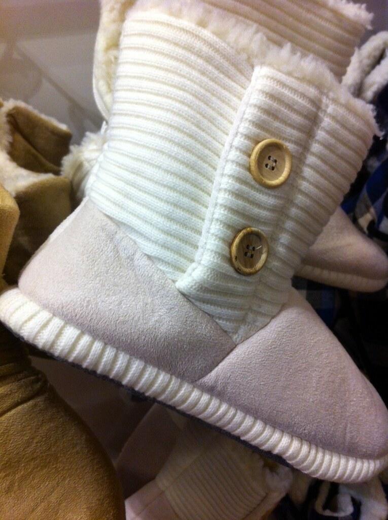 Knit boots (Amazon US)