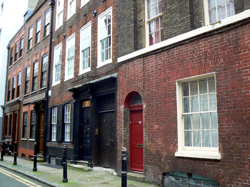 rue porte rouge.jpg