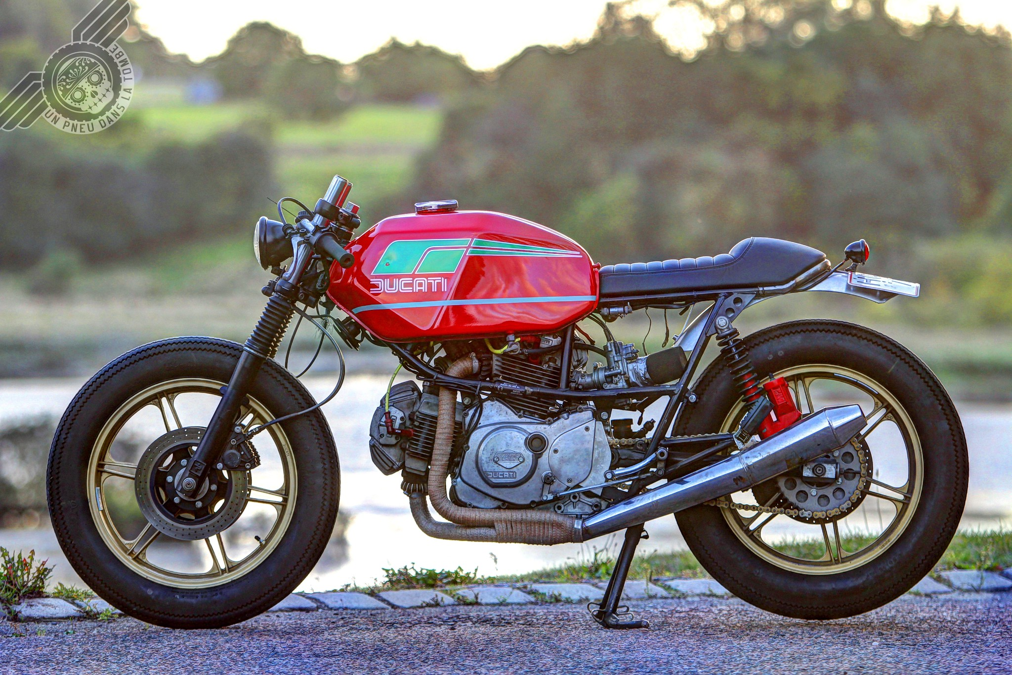 Cafe Racer Luxe