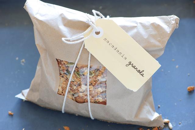 macadamia granola