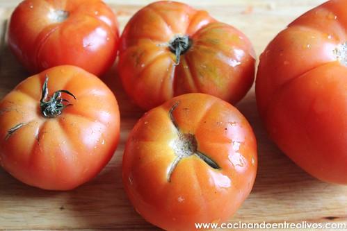 Compota de tomates con huevos escalfados (2)