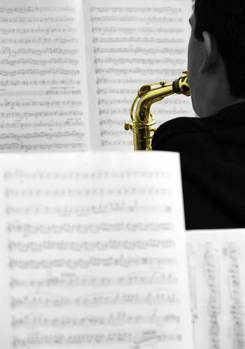 ENSAYANDO - BANDA DE MÚSICA JJMM-ULE - 8.12.12 by juanluisgx