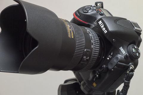 D800EにAF-S DX Nikkor ED 17-55mm F2.8Gをつける