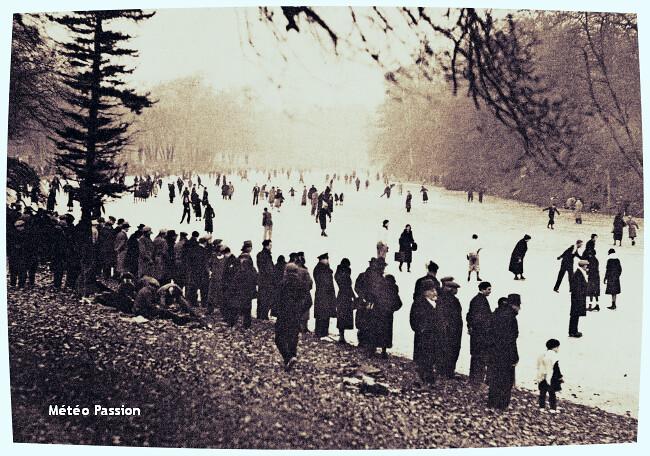 patineurs sur les lacs gelés du bois de Boulogne durant la vague de froid de décembre 1933 météopassion