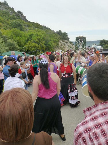 Romeria in Pruna: procession and effigy of Mary nearing