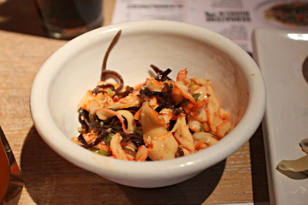 Japanischer tintenfischsalat