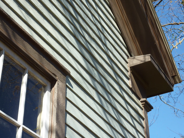 P1140138-2012-11-26-Decatur-Vernacular-Church-Street-circa-1870-Fraser-House-window-return-fasic-soffit