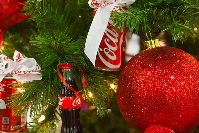 Coke christmas tree decorations flickr photo sharing for Photo christmas decorations