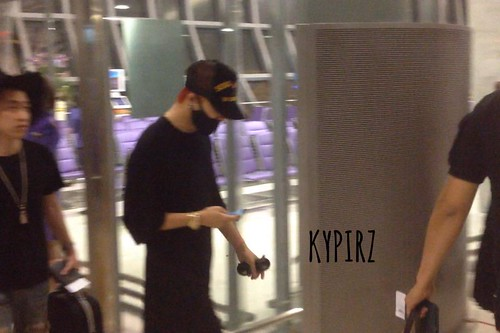 Big Bang - Thailand Airport - 10jul2015 - rebellepirz - 01