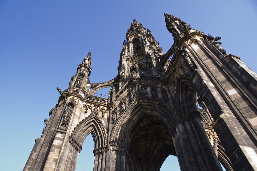 Exploring Historic Edinburgh