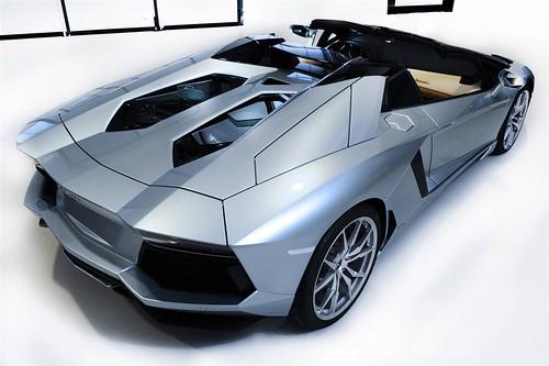 2014 Lamborghini Aventador LP 700-4 Roadster Picture Gallery