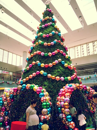 Christmas tree @ Marina Square