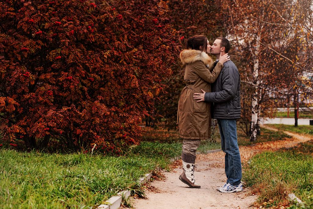 Прогулочная фотосессия беременности на улице, В ожидании чуда с мужем