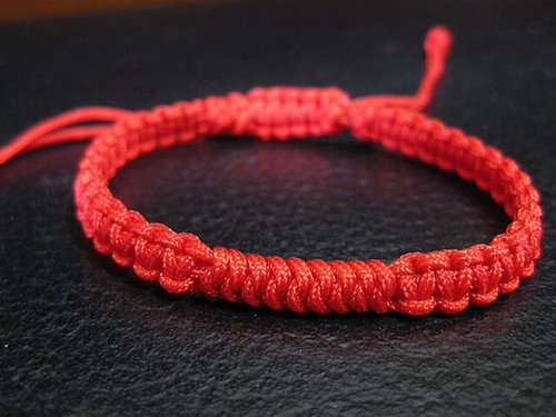 Red Chinese knot bracelet