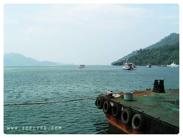 Kapal di Bungus Padang