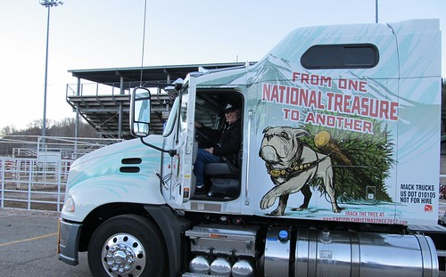 Former US Senator Ben Nighthorse Campbell delivers 2012 Capitol Christmas Tree