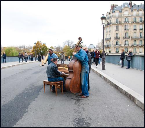 straatmuziek in Parijs by hans van egdom