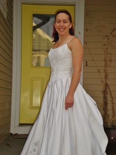 My Wedding Dress Still Fits on my 10th Anniversary!