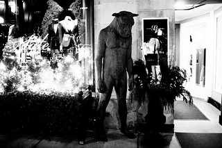 boston newbury street statue christmas tree