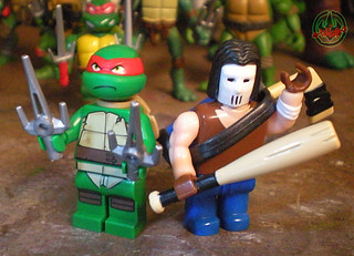 "LEGO Teenage Mutant Ninja Turtles :: ""Stealth Shell in Pursuit"" ; Raphael xvi / .. with '03 MEGA BLOKS CASEY JONES (( 2013 ))"