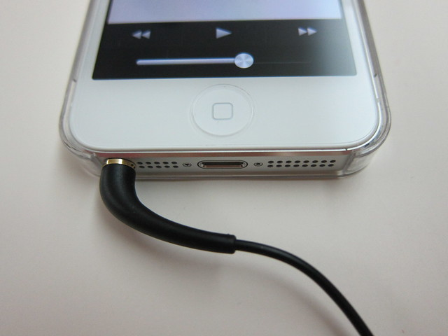 Klipsch Image X10 - Plugged Into iPhone 5
