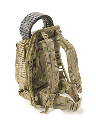 bag(1.0), camouflage(1.0), military(1.0),