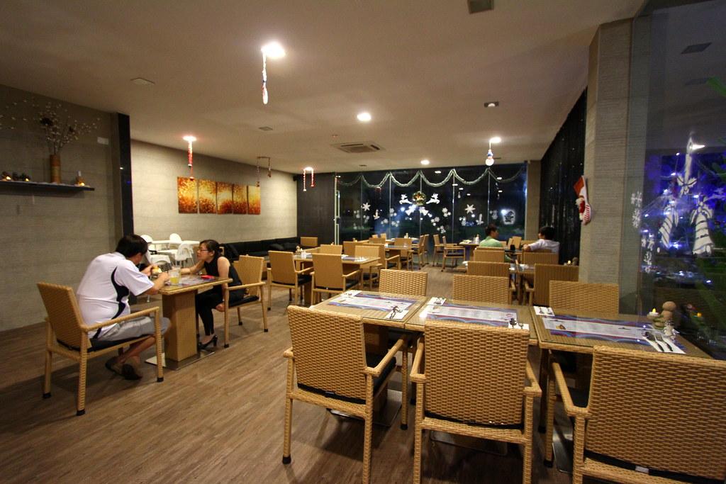 5酒后兔子小酒馆和酒吧:室内