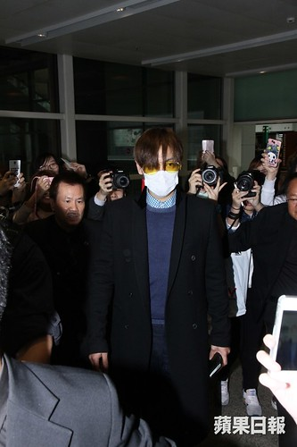 TOP arrival Hong Kong Press 2015-03-13 04