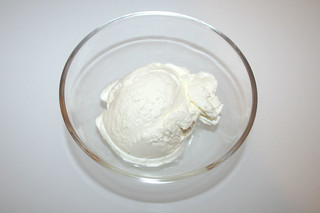 06 - Zutat Saure Sahne / Ingredient sour cream