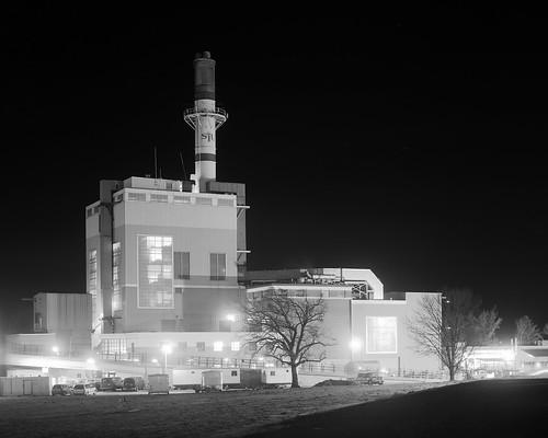 industry night smokestack 4x5 powerplant ilfordfp4plus largeformat4x5 bwblackandwhitebw sekonicl758dr siusouthernillinoisuniversity kodakhc110developerdilutionb kodak203mmf75lens graflexgraphicviewcameraii