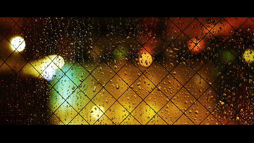 light red orange green window colors rain yellow closeup night square grid lights hotel still colorful warm colours nightshot bokeh colourful cinemascope canonef50mmf14usm losange honatsugi 本厚木 yalestudio canoneos5dmarkiii