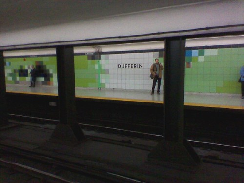 The new tiles of Dufferin Station (3)
