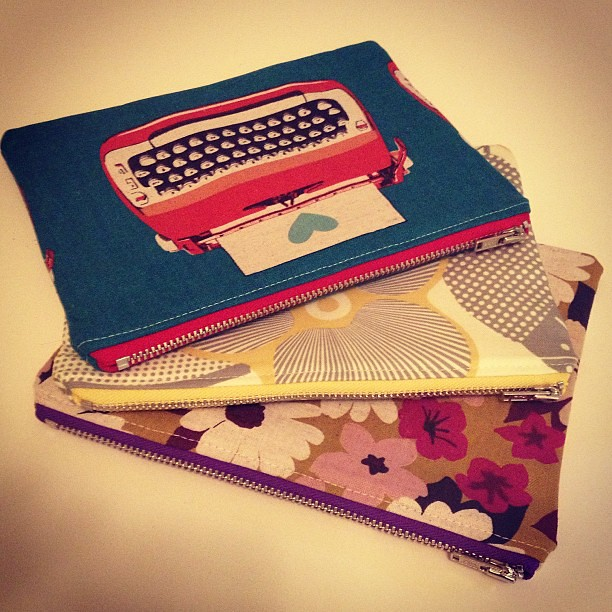 A few more zippered pouches because I was bored.