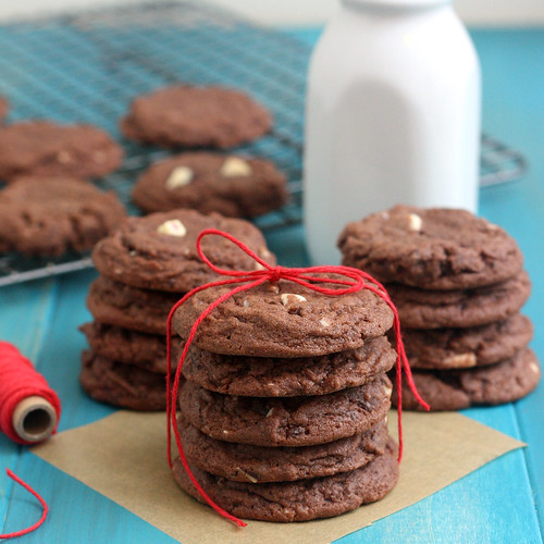 Peppermint Bark Pudding Cookies