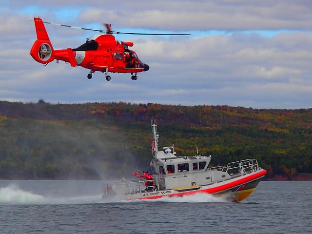how to become a coast guard helo pilot