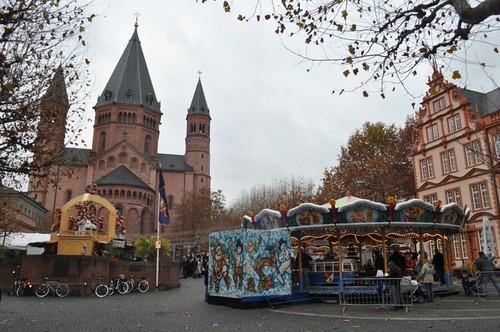 La imponente Catedral de San Martín, custodiando desde hace siglos el tradicional Mercado Navideño de Mainz Mercado navideño de Mainz, uno de los más bonitos de Alemania - 8294280601 b1a3fcc1ca - Mercado navideño de Mainz, uno de los más bonitos de Alemania