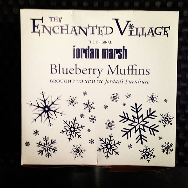The Original Jordan Marsh Blueberry Muffins