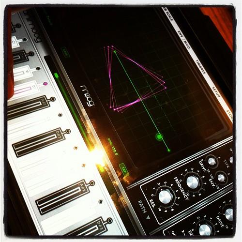 Animoog #ipad #music #electronica #apps #instagram #iphoneography :)